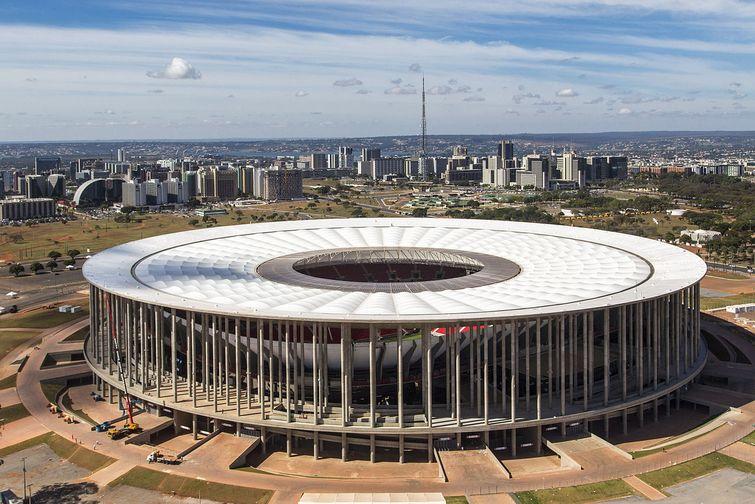 1280px-Brasilia_Stadium_-_June_2013.0.0