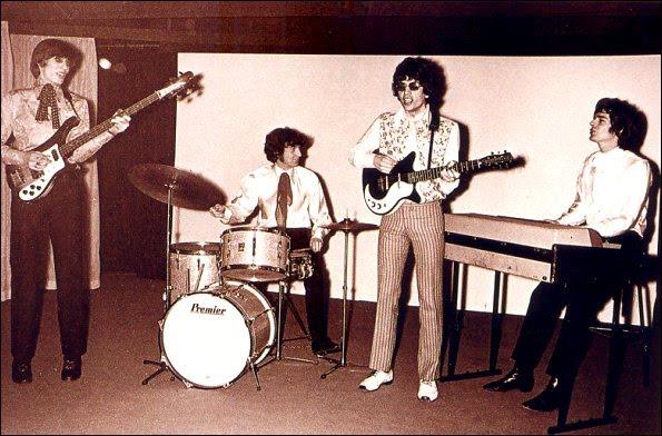 Pink-Floyd-1966