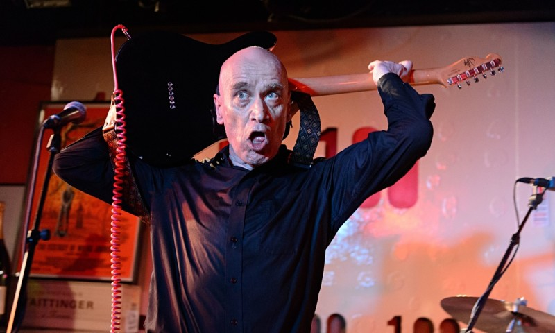 Wilko-Johnson-performing--009
