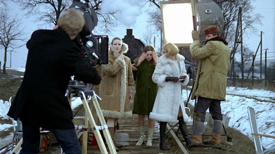 andrzej-wajda-wszystko-na-sprzedazkadr-z-filmu-2013-02-26-012-920x517