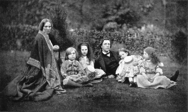 lewis-carroll-with-children