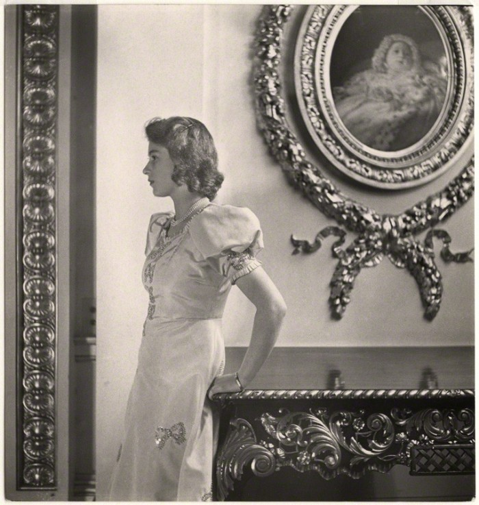 by Cecil Beaton, bromide print, October 1942