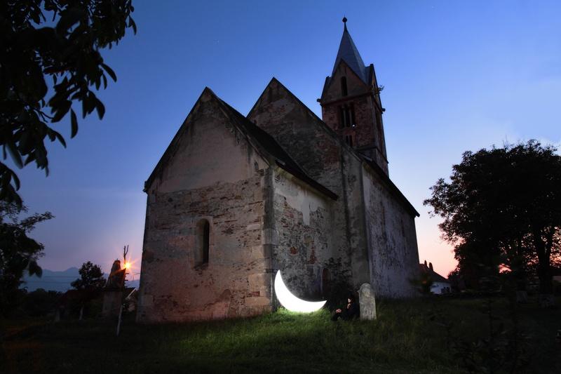 The-Private-Moon-and-pilgrim-in-the-church-yard.-Santamaria-Orlea