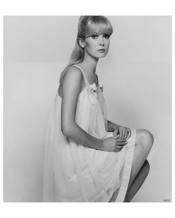 catherine-deneuve-vgue-1966-photo-david-bailey